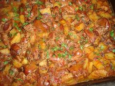 Cotlete de porc in sos aromat cu rozmarinCulorile din Farfurie Romanian Food, Falafel, Baby Feeding, Cookie Recipes, Bacon, Good Food, Food And Drink, Tasty, Lunch