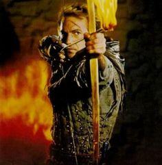 Após voltar de uma Cruzada, Robin de Locksley, um jovem cavaleiro, descobre que seu pai, Lorde de Locksley, foi morto pelos seguidores do xerife de Nottingham.