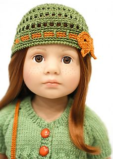 Ravelry: cataddict's an Easter greeting FREEBIE cardie and shoes patterns Crochet Doll Dress, Crochet Doll Clothes, Knitted Dolls, Girl Doll Clothes, Doll Clothes Patterns, Crochet Toys, American Girl Crochet, Simply Crochet, Wellie Wishers Dolls