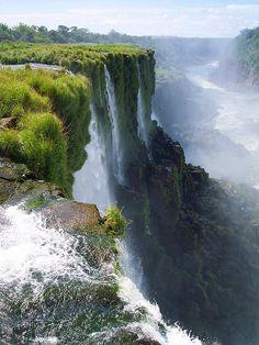 New Seven Wonders of Nature, Cataratas del Iguazú / Argentina. - Its a beautiful world Beautiful World, Beautiful Places, Beautiful Pictures, Places To Travel, Places To See, Les Cascades, Photos Voyages, Natural Wonders, Wonders Of The World