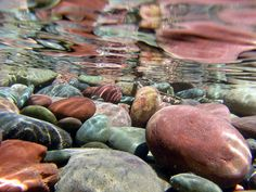 river rocks in Wyoming on the Lewis and Clark river rafting adventure