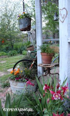 GypsyFarmGirl: A Bottomless Rusty Flower Bucket