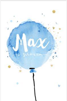 Origineel enkel geboortekaartje voor een jongen. Met groot getekende waterballon, goud glamour kleurige sterren en hartjes. Alles staat los op dit kaartje en is zelf aan te passen. Enveloppen zijn los bij te bestellen. Baby Birth, Colorful Drawings, Boy Names, Drawing For Kids, Nursery Prints, Baby Cards, Doodles, Baby Boy, Design Inspiration