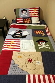 Perfect pirate bedroom for a little boy. I just don't know a little boy who likes pirates Colchas Quilt, Boy Quilts, Boys Pirate Bedroom, Kids Bedroom, Pirate Quilt, Pirate Bedding, Quilting Projects, Sewing Projects, Patchwork Baby