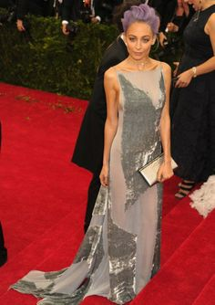 Nicole Richie in Donna Karan Atelier, paired with #HouseofHarlow jewels and #Louboutin heels