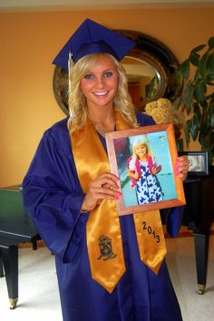 1st day of Kindergarten in frame on High School graduation day! First and last day of K-12. Fun Grad photo idea!
