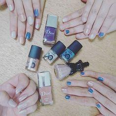 みんなに塗ってあげた❤💅✨ #nail#newnail #selfnail #purple #blue #pink #family #ネイル #セルフネイル #家族 #夢子の小指曲がってる#ワロタ