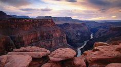 the-mighty-colorado-river-beautiful-canyons-deserts-fantastic-grand-nature-overcast-river-view.