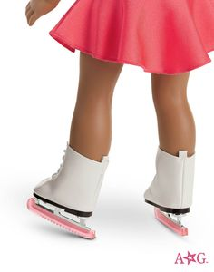 ICE SKATES!!!!!!!!!! OH OH OH O H OH THIS IS AWESOME! THE PINK SKATE GUARDS!! <3