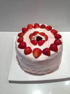 #chiffoncake #strawberries #cream