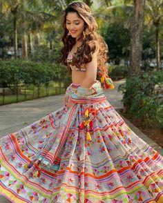 (C) Outfit: sukritiandaakritiofficial | Mehendi outfit inspiration | Mehendi look | #wittyvows #bridesofwittyvows #lehenga #multicoloured #wednesdayvibes #wednesdaypost #mehendibride #mehendioutfit #trending New Lehenga, Lehenga Suit, Party Wear Lehenga, Lehenga Choli, Indian Bridal Fashion, Indian Fashion Dresses, Mehendi Outfits, Bollywood Wedding, Lehenga Designs