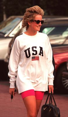 Princess Diana in bike shorts! Plus 4 other times she gave us fitness inspiration - Photo 3 Princess Diana in bike shorts! Plus 4 other times she gave us fitness inspiration - Photo 3 Outfits 80s, Fashion Outfits, Fashion Hats, Punk Fashion, Lolita Fashion, Modest Fashion, Stylish Outfits, Summer Outfits, Princesa Diana