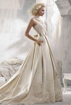 26 Pleated Wedding Dresses You'll Like | HappyWedd.com #PinoftheDay #pleated #wedding #dress #WeddingDress