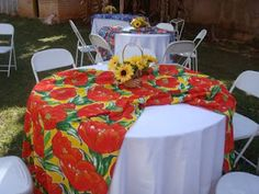 Decoração de festa junina mesa dos convidados Holidays And Events, Happy Holidays, Holiday Fun, Holiday Decor, Luau, Party Planning, Party Time, Diy And Crafts, Table Decorations