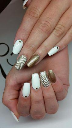 by Indigo Designer Paulina Junger Indigo Young Team - Find more inspiration at www.indigo-nails.com #nailart #nails #indigo #white #gold