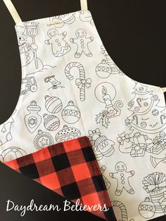 #giftsforkids Handmade, Reversible, Kids Aprons by Daydream Believers Designs