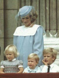 Trooping The Colour 1984 - a pregnant (with Harry) Princess Diana with (L to R) Zara Phillips, Prince William and Peter Phillips. Zara and Peter are Princess Anne's offspring. Princess Diana Family, Princess Of Wales, Princess Charlotte, Real Princess, Charles And Diana, Prince Charles, Princesa Diana, Trooping The Colour, Noblesse