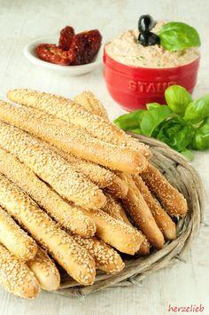 Kleine Brotstangen, ideal zum Dippen und snacken auf einem Frauenabend. Ideal auch zum Grillen