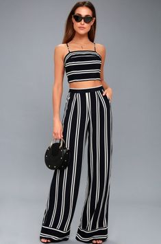 5a24f20f3bc Proof That There s Never a Wrong Time or Place for Wide-Leg Pants
