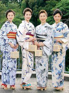 大人浴衣って、いいですねー。どれが好み?私は賀来千香子さんの浴衣かな~。中越典子大好きなので博多座に来たら観に行きたい。で、送料無料にしたいがために注文したのがこれ!決して大人ではないけど、浴衣は元気の出る色がいい。ブログランキングに参加し Japanese Costume, Japanese Kimono, Costume Japonais, Kimono Yukata, Kabuki Costume, Mode Kimono, Summer Kimono, Oriental, Japanese Outfits