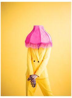Urban Street Fashion Photography, Beach Fashion Photography, Fashion Photography Inspiration, Underwater Photography, Photography Poses, Colour Blocking Fashion, Mode Editorials, Yellow Fashion, White Fashion