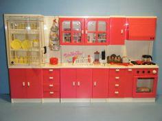 Barbie Size Vintage Kitchen Set with Kitchen Littles Barbie Kitchen, Toy Kitchen, Kitchen Sets, Kitchen Cabinets, Barbie Furniture, Dollhouse Furniture, Vintage Barbie, Vintage Toys, Barbie Diorama