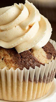 Vegan Peanut Butter Chocolate Swirl Cupcakes with Peanut Butter Buttercream Swirl Cupcakes, Vegan Cupcakes, Baking Cupcakes, Yummy Cupcakes, Cupcake Cakes, Cup Cakes, Buttercream Cupcakes, Frosting Recipes, Cupcake Recipes