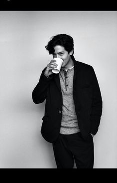 cole sprouse, jughead jones, and riverdale image Cole M Sprouse, Sprouse Bros, Cole Sprouse Jughead, Dylan Sprouse, Cole Sprouse Wallpaper Iphone, Cole Sprouse Lockscreen, Zack Et Cody, Dylan Y Cole, Camila Mendes Riverdale