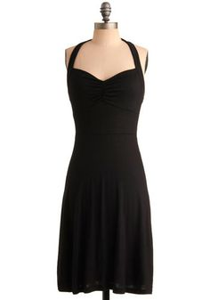 Line;Curved: The curved line is at the top of the dress. It draws your eye to the bust. The dress is very soft and gentle.