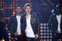 Justin Bieber Performs at the Apollo Theater in New York City!