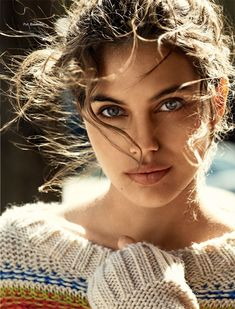 Beauty model Shiloh Malka photographed by Hilary Walsh for the most recent issue of Glamour France. Beautiful Eyes, Beautiful People, Beautiful Women, Girl Face, Woman Face, Glamour France, Too Faced, Shiloh, Beauty Blender