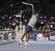 Federer's great backhand overhead