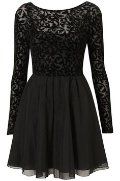 love the lace and cut of this dress! perfect lbd!!!