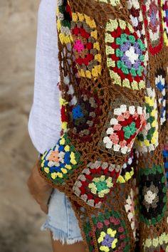 Crochet Coat, Crochet Jacket, Crochet Cardigan, Diy Crochet, Crochet Toys Patterns, Stuffed Toys Patterns, Hippie Bohemian, Hippie Chic, Gilet Kimono