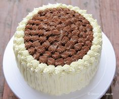 Chocolate Desserts, Chocolate Cake, Cake Decorating, Cheesecake, Food And Drink, Birthday Cake, Sweets, Baking, Ethnic Recipes