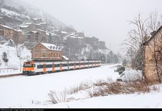 RailPictures.Net Photo: 211 Renfe 447 at Toses, Spain by Didac Vazquez Herrera