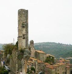 Cathar Castles - Minerve (Occitan: Menèrba) is a commune in the Hérault département in Languedoc-Roussillon in southern France. It was the site of a 10 week siege by Simon de Montfort during the Cathar Crusades, after which some 180 Cathars were burned to death at the insistence of Catholic Church leaders. The village was protected by a double curtain wall, and overhanging natural ledges; but this could not stop Simon de Montfort's crusader army.