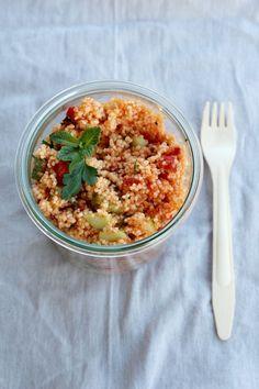 das thema der heutigen mittwochs box ist getreide. emmer, reis, quinoa … schmecken alle gut. mein favorit, wenn es schnell gehen muß, ist aber imer noch couscous.  ruck zuck gekocht und…