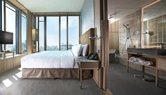 As one of Asia's hottest economic and financial hubs, it comes as no surprise that Singapore is replete with business hotels catered to those travelling for work. Here's our pick of the 10 best.