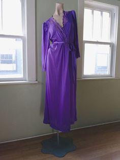 VTG 1970s Peignoir Robe 70s Purple Boudoir Loungewear Pin Up 1 Pc Sz M 52ff83aa3