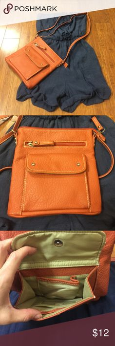 👜⭐️SALE ✨Kelly & Kate crossbody purse Adorable orange leather crossbody purse . Has pockets inside pockets ! Super cute ! A little bit of discoloration on the straps where the metal stained from adjusting . Not noticeable unless you are looking for it . I accept most offers ! Let's make a deal ❤️ Kelly & Katie Bags Crossbody Bags