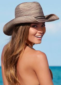 Wanting to pack your favorite hat but running out of room in your suitcase? Problem solved. :) Venus crushable cowboy hat.