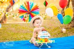 Curitiba, Kelli Homeniuk, Ensaio de bebê, 11 meses, 1 aninho, pré aniversário, bolo big Cupcake, Smash The Cake, Cake Smash, bolo, externo , festa junina, colorido, menino (41)9729-6585 ©Kelli Homeniuk - Fotografia Profissional