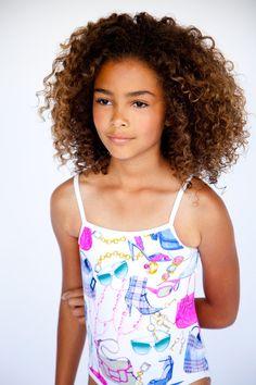 curlskinksandcoils:  Curly Cutie ~ Kacey Logan