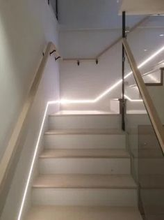 Interesting 20 Indoor Staircase Lighting Design Ideas For Your Home Staircase Interior Design, Home Stairs Design, Railing Design, Home Room Design, Home Interior Design, Interior Livingroom, Staircase Lighting Ideas, Stairway Lighting, Home Lighting Design
