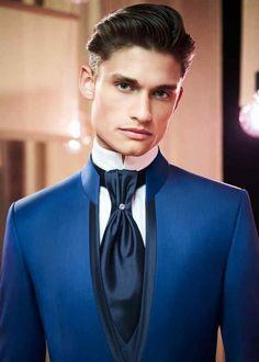 Regalo groom costume – Gift For Men Mens Casual Suits, Dress Suits For Men, Mens Fashion Suits, Wedding Dress Men, Wedding Suits, Blue Tuxedos, Designer Suits For Men, Indian Men Fashion, Tuxedo For Men