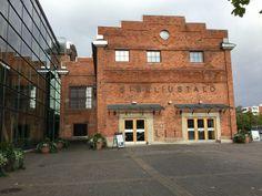 Sibeliustalo on vuoden 2000 keväällä valmistunut konsertti- ja kongressikeskus Lahdessa Ankkurin kaupunginosassa. Sibeliustalo on nimetty säveltäjä Jean Sibeliuksen mukaan ja sen on suunnitellut Hannu Tikka ja Kimmo Lintula. /Netta