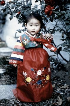 Baby girl in red and green hanbok