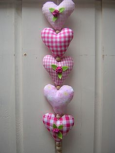 A beautiful heart garland! I Love Heart, Happy Heart, Sewing Crafts, Sewing Projects, Projects To Try, Valentine Day Crafts, Be My Valentine, Printable Valentine, Homemade Valentines