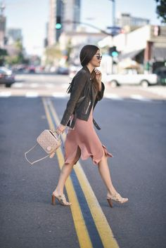 Why not try the rustic style this spring? Take inspiration from Paola Alberdi's cute rustic look, consisting of a nude pink dress with slit detailing and a fringed suede jacket with a belt. Finish the look off with a pair of funky platforms to steal this exact style! Jacket: All Saints, Shoes: Chloe, Bag: Chanel.